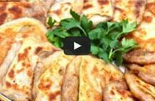 Vidéo Sousou Kitchen : Msemen bechahma, crêpe feuilletée à la graisse
