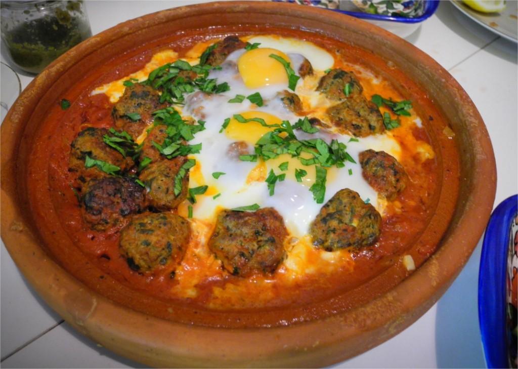 Kefta tajine de viande hach e aux oeufs - Cuisine orientale facile ...