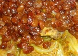 poisson-aux-oignons-raisins-secs-tomates