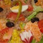 Salade carottes, tomate, maïs et thon