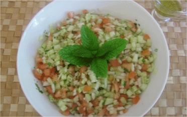 salade-concombre-tomate-oignon