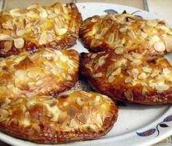 chaussons-aux-pommes-amandes