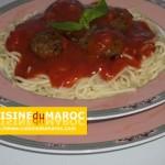 Spaghetti aux boulettes de veau à la sauce napolitaine