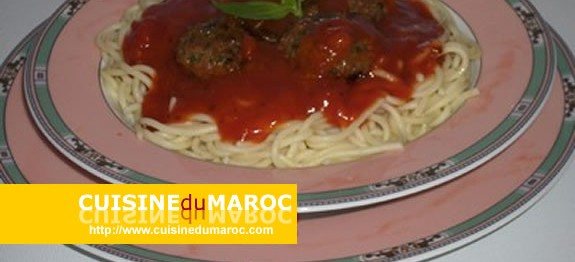 spaghetti-aux-boulettes-veau-sauce-napolitaine
